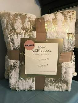 "ENVOGUE Coordinated Set  20"" X 20"" METALLIC FAUX FUR PILLOW"