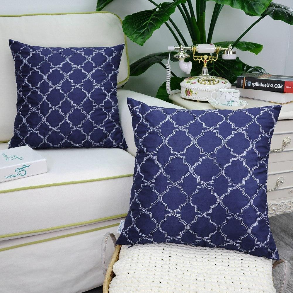 "<font><b>Throw</b></font> for Home Quatrefoil Geometric 18""X18"" <font><b>Navy</b></font>"