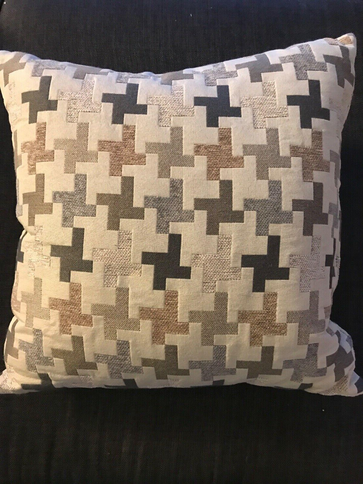 Set of 4 throw pillows, removable covers, no brand, came wit